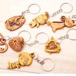 Breloczek do kluczy - wisiorek - imitacja drewna - MIX wzorów - Brelok